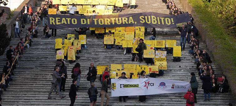 Il reato di tortura: quel reato che in Italia non deve esistere